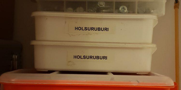 Etichete pentru magazia de scule